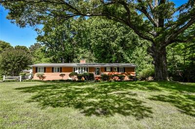 Charlotte Single Family Home For Sale: 7220 Lakeside Drive