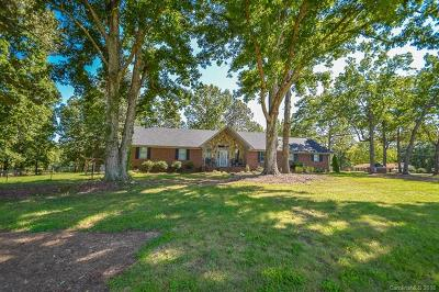 Monroe Single Family Home For Sale: 3017 Waxhaw Highway