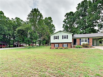 Iredell County Single Family Home For Sale: 180 Mapleleaf Road