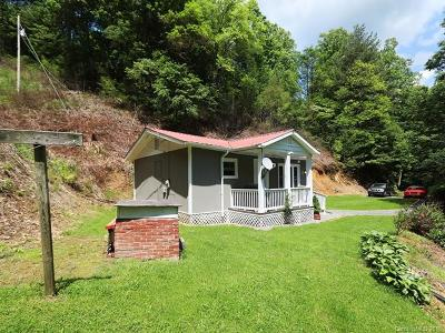 Hot Springs NC Single Family Home For Sale: $135,900