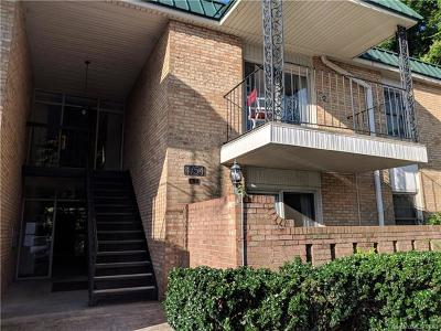 Charlotte Condo/Townhouse For Sale: 4754 Hedgemore Drive #R
