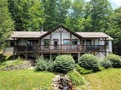 Waynesville Single Family Home For Sale: 100 Rose Path Lane