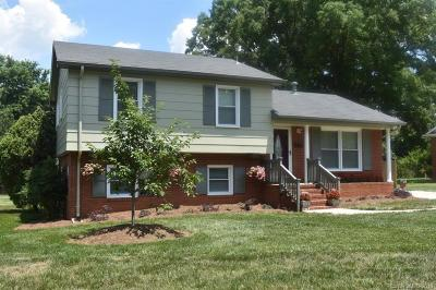 Single Family Home Under Contract-Show: 3018 Rosehill Drive