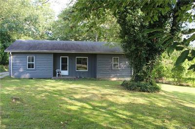 Hendersonville Single Family Home For Sale: 209 Beverly Avenue