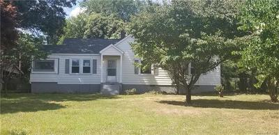 Mount Holly Single Family Home For Sale: 201 Belton Avenue