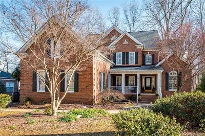 Single Family Home For Sale: 916 Thorn Ridge Lane