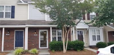 Charlotte Condo/Townhouse For Sale: 17023 Greenlawn Hills Court