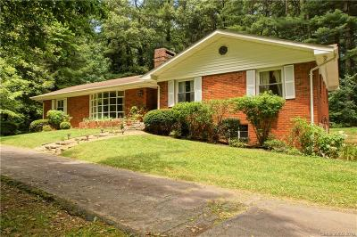 Hendersonville Single Family Home Under Contract-Show: 1229 Chanteloup Drive