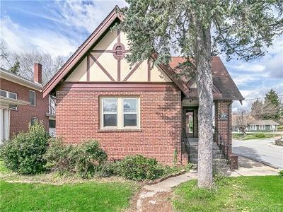 Hendersonville Single Family Home For Sale: 831 Oakland Street