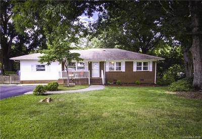 Single Family Home For Sale: 6918 Tuckaseegee Road
