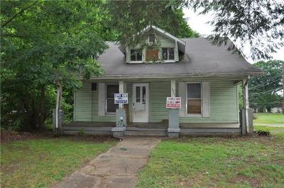 Statesville Single Family Home For Sale: 1402 Wilson W Lee Boulevard