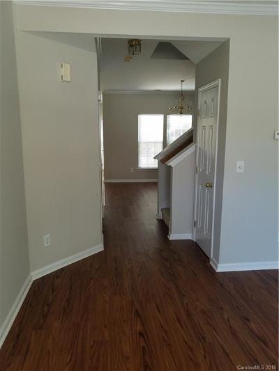 Gastonia Condo/Townhouse For Sale: 1802 Robinwood Village Drive #L2
