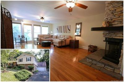 Charlotte Single Family Home For Sale: 6800 Queensberry Drive