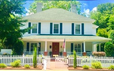 Single Family Home For Sale: 211 Springs Street