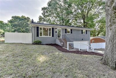Single Family Home Under Contract-Show: 4121 Gladstone Lane