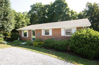 Conover NC Single Family Home For Sale: $127,700