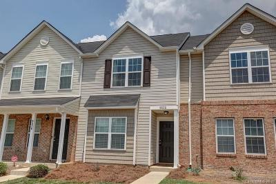 Charlotte Condo/Townhouse For Sale: 9532 Brackenview Court