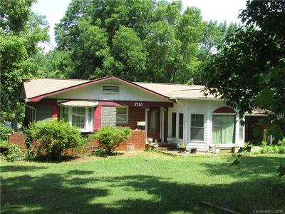 Single Family Home For Sale: 3710 Sargeant Drive