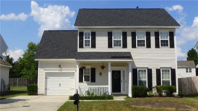Charlotte Single Family Home For Sale: 9608 Forest Path Drive