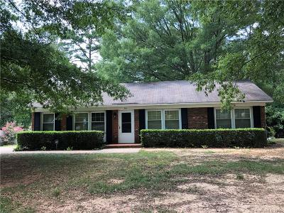 Mecklenburg County Single Family Home For Sale: 300 Newburg Lane