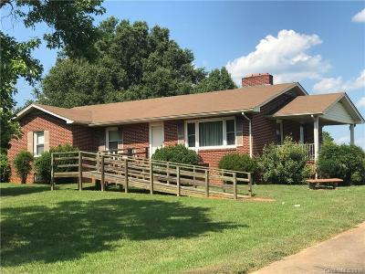 Single Family Home Under Contract-Show: 1922 Chatfield Road #15