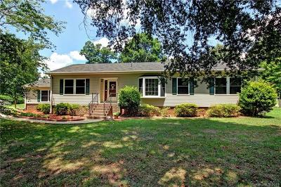 Mooresville Single Family Home For Sale: 159 Scotland Drive