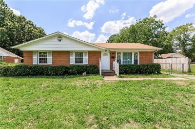 Single Family Home Under Contract-Show: 1437 Echo Glen Road