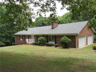 Lincolnton Single Family Home Under Contract-Show: 212 Pinewood Drive