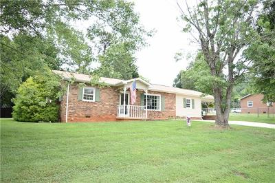 Caldwell County Single Family Home For Sale: 2934 Mac Drive