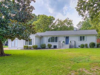 Charlotte Single Family Home For Sale: 6401 Randy Drive