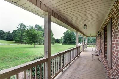 Catawba County Single Family Home For Sale: 1885 Beverly Street