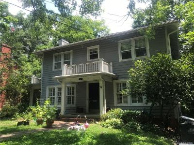 Single Family Home For Sale: 608 Lee Street