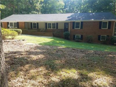 Matthews Single Family Home For Sale: 801 Courtney Lane