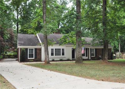 Matthews Single Family Home For Sale: 920 Black Oak Drive