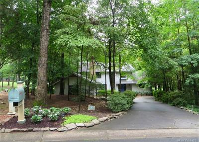 River Hills Single Family Home For Sale: 5 Oak Leaf Road