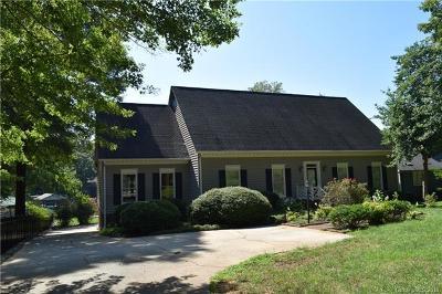 Denver Single Family Home For Sale: 8118 Blades Trail