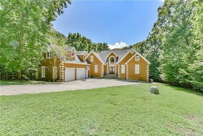 Charlotte Single Family Home For Sale: 14901 Majestic Oak Drive