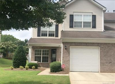 Pineville Condo/Townhouse For Sale: 12316 Stratfield Place Circle #52