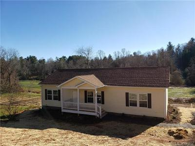 Hendersonville Single Family Home For Sale: 1390 Stanwood Drive