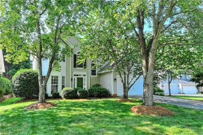 Charlotte Single Family Home For Sale: 8718 Huntland Court