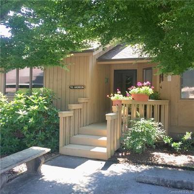 Hendersonville Single Family Home For Sale: 702 Red Oak Drive