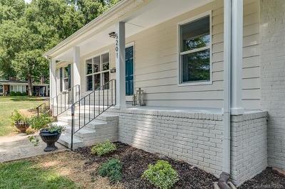 Charlotte Single Family Home For Sale: 5201 Glenham Drive