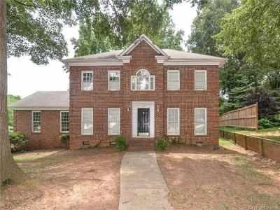 Charlotte Single Family Home For Sale: 1108 Beauwyck Court