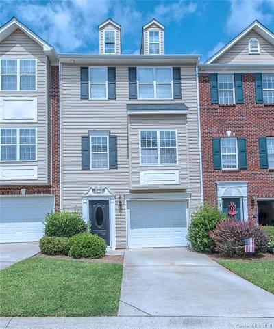 Mount Holly Condo/Townhouse For Sale: 209 Langhorne Drive