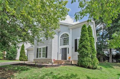 Single Family Home Under Contract-Show: 10630 Northwoods Forest Drive