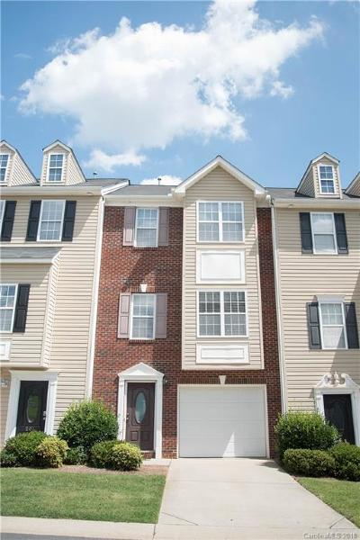 Mount Holly Condo/Townhouse For Sale: 205 Langhorne Drive