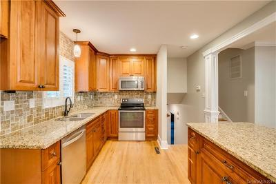 Charlotte Single Family Home For Sale: 6816 Queensberry Drive