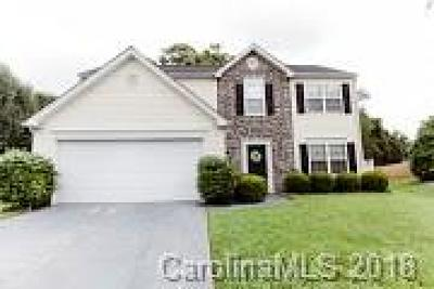 Indian Trail Single Family Home Under Contract-Show: 3013 Thistlewood Circle