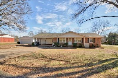 Cornelius Single Family Home For Sale: 18200 Nantz Road