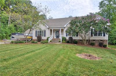 Mooresville Single Family Home For Sale: 148 Fairway Drive